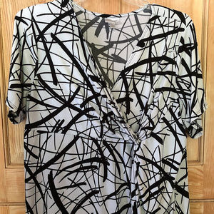 Gorgeous Black White Wrap Blouse AVENUE 22/24 EUC